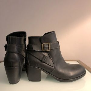 NWT b.o.c Real Leather boots - size 6